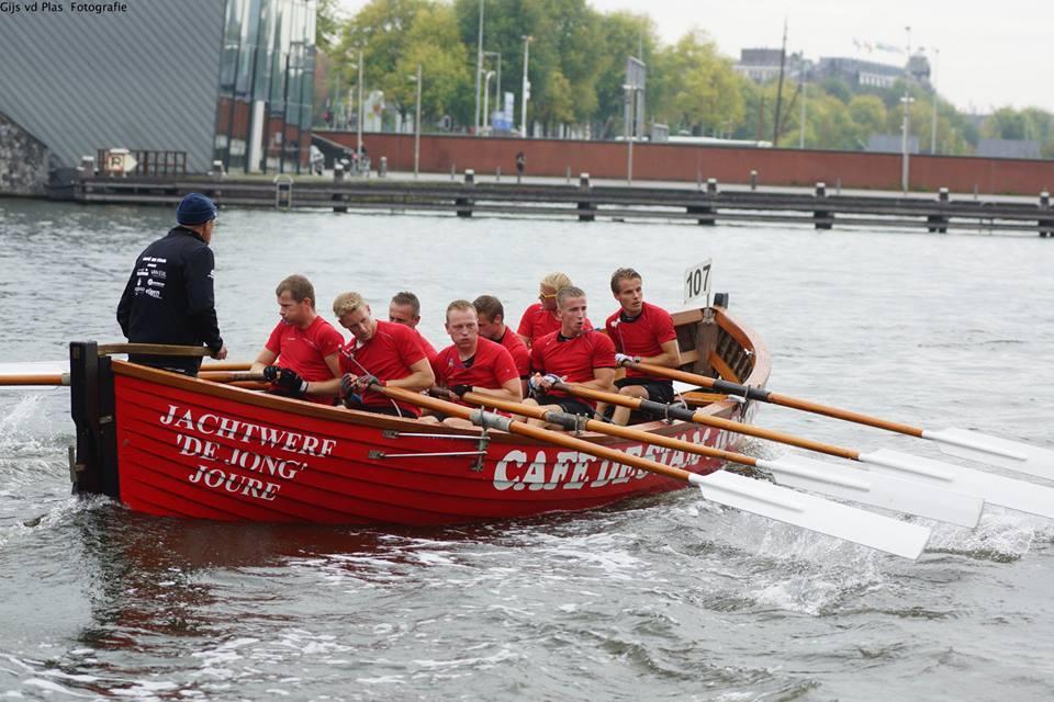 Grutte Bear Nederlands Kampioen na overwinning Grachtenrace